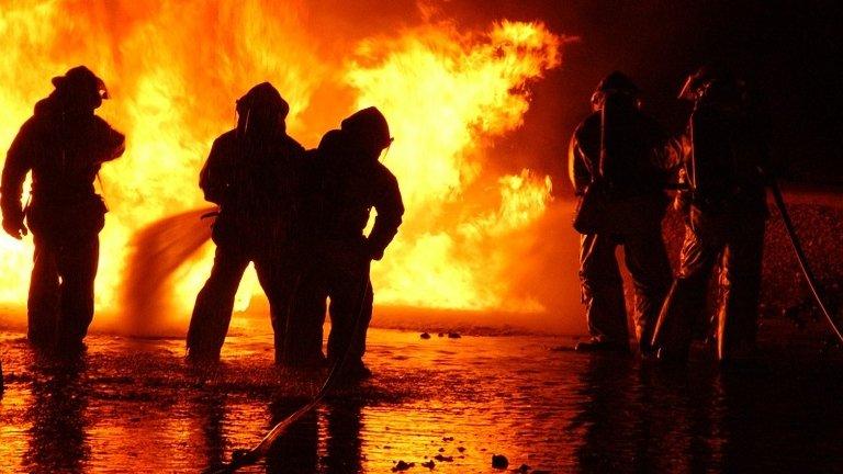 Incendiu puternic în Cluj. Zeci de persoane au fost evacuate