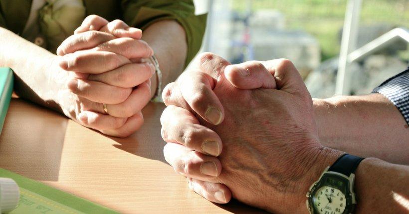 Ce se întâmplă când ne rugăm pentru cineva bolnav
