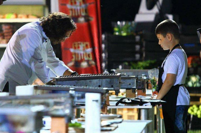 """Chef Florin Dumitrescu, mesaj emoționant pentru un concurent al emisiunii """"Chefi la cuțite"""": """"O să ajungi mare dacă îţi păstrezi pasiunea"""""""