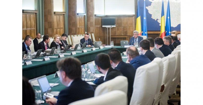 Discuții cruciale despre soarta miniștrilor care au vrut să-și dea demisia în CEx
