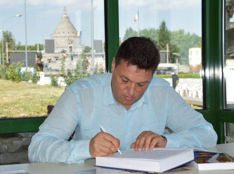 """Șerban Nicolae, despre arhiva SIPA: """"Unele dintre registre sunt deja distruse"""""""
