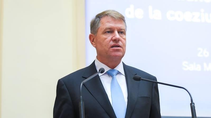Klaus Iohannis a promulgat legea prin care sunt plafonate pensiile speciale ale parlamentarilor 72
