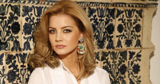 Monica Dascălu, în doliu! Mesajul trist transmis de prezentatoarea TV în urmă cu puţin timp