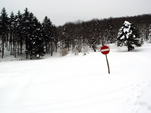 Locul din România unde stratul de zăpadă atinge 15 centimetri