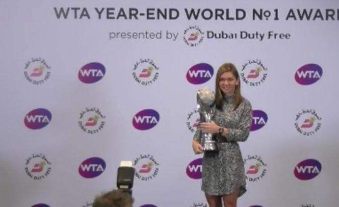 Mesaj emoţionant al lui Darren Cahill pentru Simona Halep, după ce românca a primit trofeul de lider mondial WTA