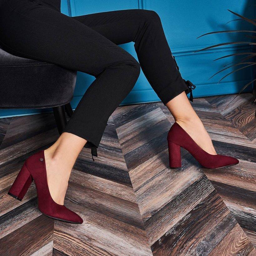 Ce pantofi purtăm la birou în sezonul rece