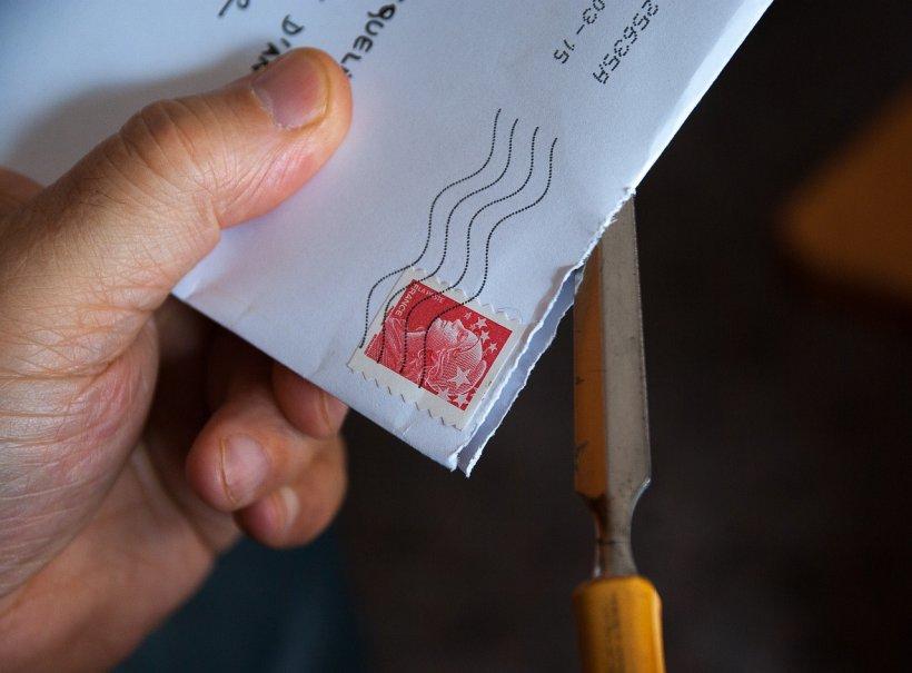 A găsit în cutia poștală o scrisoare de la Primărie. A deschis curioasă plicul și a înghețat. Ce conținea acesta