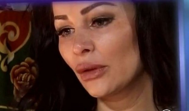 """Brigitte Năstase, în lacrimi. Bruneta a dezvăluit detalii şocante din viața sa: """"Nu ştiam dacă o să mai am păr sau o să fiu cheală"""""""