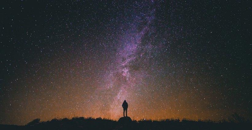 Fenomen astronomic rar vizibil din România în câteva ore. Ce va apărea pe cer