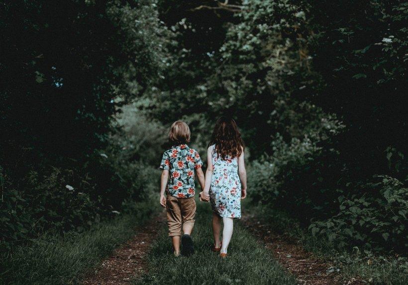 La cinci ani, micuța Sophia i-a spus mamei că vrea să se mărite cu cel mai bun prieten. Femeia nu a stat pe gânduri și a acceptat fără rezerve! Ce se ascunde de fapt în spatele gestului șocant (FOTO)