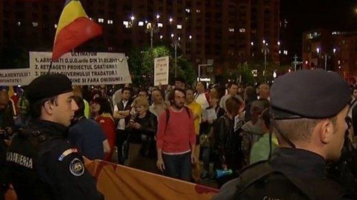 Proteste de mici amploare duminică seara