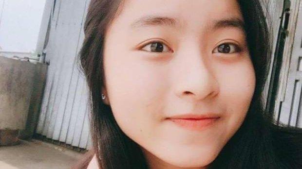 Final tragic pentru o adolescentă! A murit electrocutată de încărcătorul de la telefon