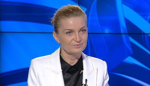 Eroina Zilei: Teodora Burz, românca ce îmbracă vedetele lumii