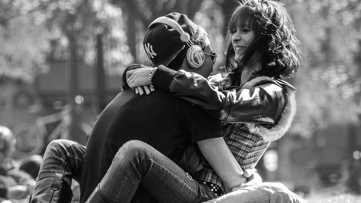 """""""Eram proaspăt ieșit dintr-o relație de o vară, când am cunoscut-o pe un site de întâlniri. După șase luni, a rămas însărcinată și ne pregăteam de căsătorie când mi-a divulgat cel mai ascuns secret al ei...."""""""
