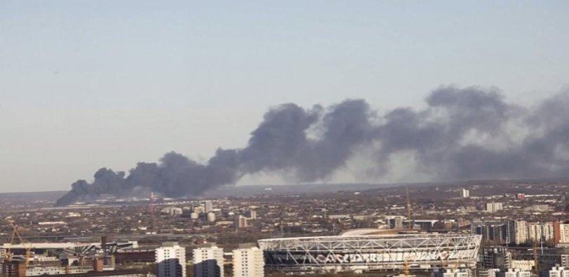 Incendiu violent în Londra. Nor uriaș de fum deasupra metropolei - VIDEO
