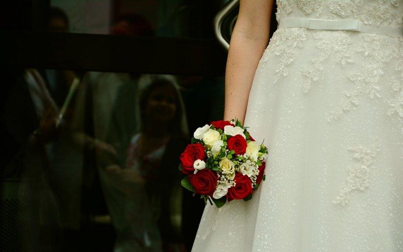 Le-a spus invitaților că își va organiza nunta la spital. Mireasa le-a spus apoi și motivul, iar oamenii au fost cu ochii în lacrimi