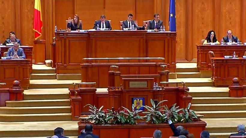 Politikix. Ce vor să facă parlamentarii în Casa Poporului