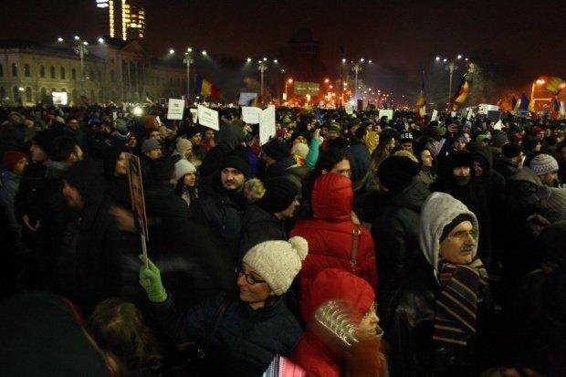 Proteste duminică în România. Oamenii au manifestat pentru retragerea legilor justiției și împotriva modificărilor Codului Fiscal