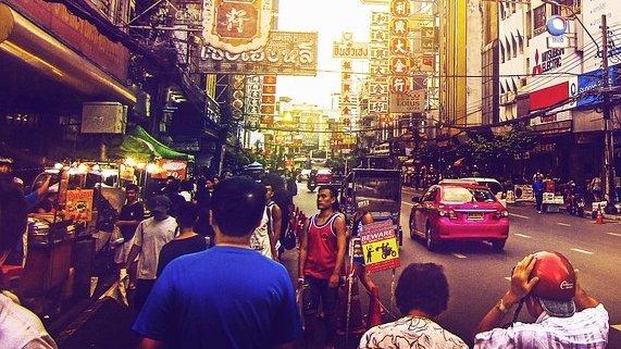 Doi tineri și-au petrecut vacanța în Thailanda și au postat o fotografie pe rețelele de socializare. La scurt timp, au fost arestați