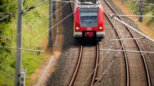 Momente de panică în Spania. Un tren de pasageri a deraiat, iar 21 de persoane au fost rănite