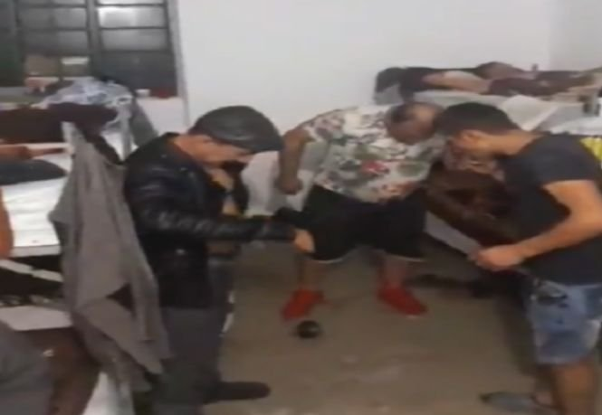 Petrecere în celulă, transmisă LIVE pe Facebook de deținuți români - VIDEO