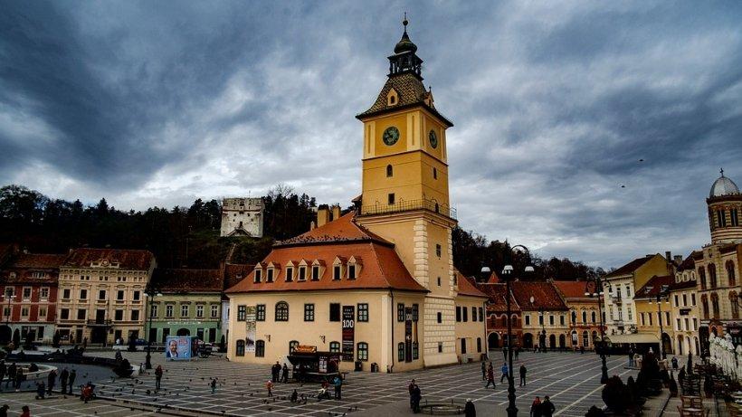 Vești proaste pentru românii care vor să plece prin țară de 1 Decembrie. Cele mai vizitate orașe nu mai au locuri de cazare
