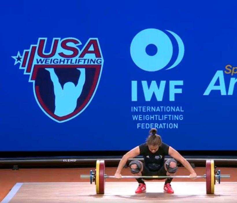 Performanță în sportul românesc. O româncă de 22 de ani a devenit campioană mondială la haltere