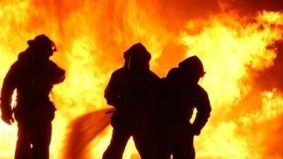 Incendiu puternic la o şcoală din Argeş. Elevii şi profesorii au fost evacuaţi de urgenţă