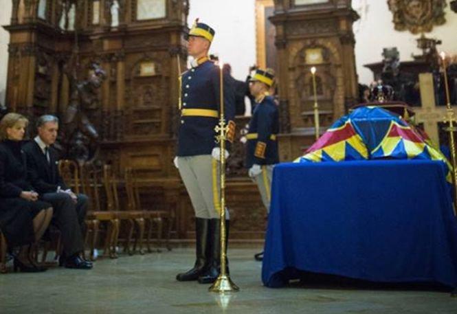 Familia Regală ar putea fi evacuată din Palat