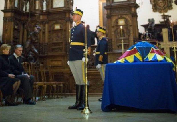 Zi istorică pentru România. Regele Mihai este condus astăzi pe ultimul drum 16