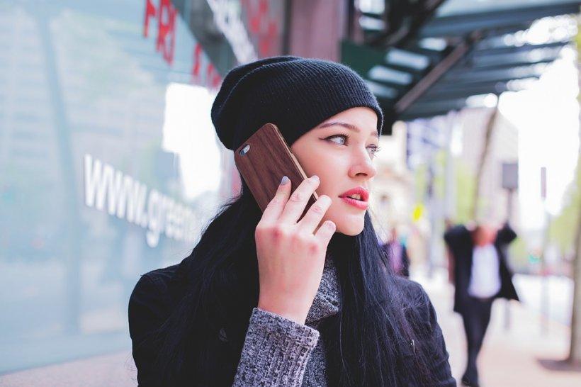 eMAG reduceri telefoane. TOP 7 telefoane pe care le iei chiar si cu 67% mai ieftin