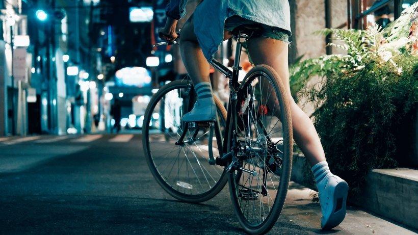 A ieșit să se plimbe cu bicicleta, dar nu s-a mai întors acasă. Ce a aflat mama tinerei când a mers la Poliție