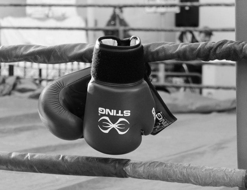 Descoperire macabră. Un dublu campion național la box a fost găsit mort în mașină