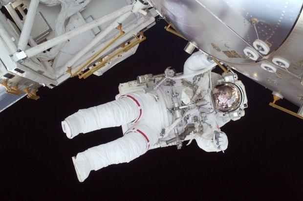 Ce a pățit un astronaut care a stat trei săptămâni pe Stația Spațială Internațională. Se teme că nu se mai poate întoarce acasă