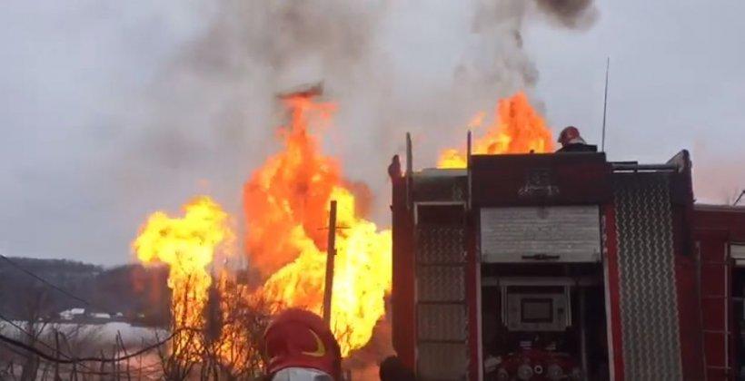 Panică în județul Gorj. Cinci persoane au fost rănite în urma exploziei devastatoare a unei magistrale de gaze