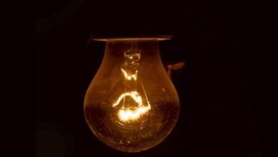 Ninsorile abundente fac probleme. Mii de oameni din toată țara au rămas fără curent electric