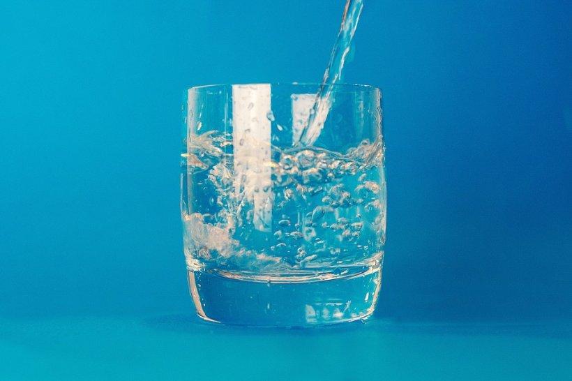 ce se intampla daca bei multa apa
