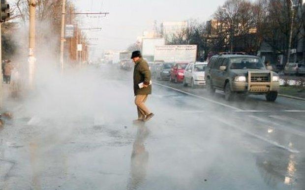 Un muncitor a murit în București, după ce o conductă cu apă fierbinte s-a fisurat