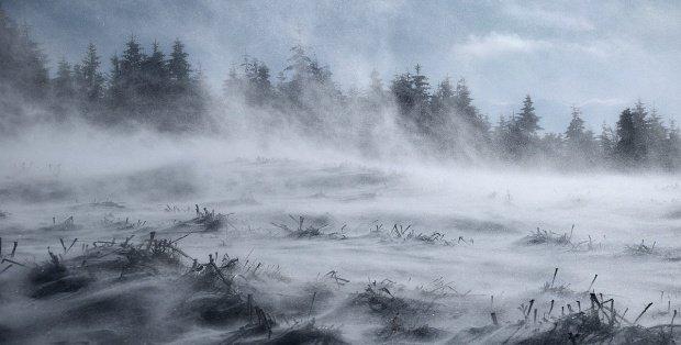 Alertă meteo de vreme extremă. Vântul va atinge la rafală 90 de km la oră