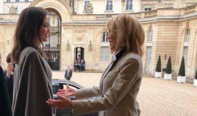 Angelina Jolie, în vizita la Palatul Elysee din Paris. Actrița a fost primită de Prima Doamnă a Franței