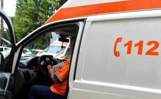 Grav accident în Pasajul Obor din Capitală. Un şofer a rămas încarcerat în fiarele maşinii