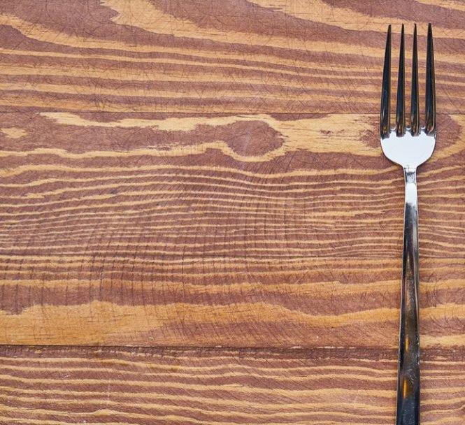 Motivul pentru care oamenii din Europa au refuzat să mănânce cu furculiţa timp de câteva secole