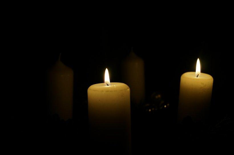 Sâmbăta Morților. De ce trebuie să aprinzi două lumânări de MOȘII DE IARNĂ