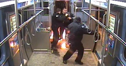 Incident neașteptat la metrou! Un bărbat a incendiat unul dintre vagoane (VIDEO)