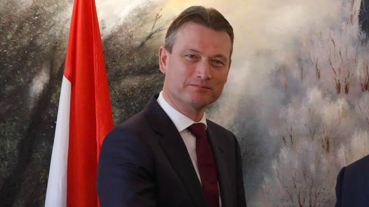 Ministrul de Externe din Olanda a demisionat după ce a fost acuzat de minciună