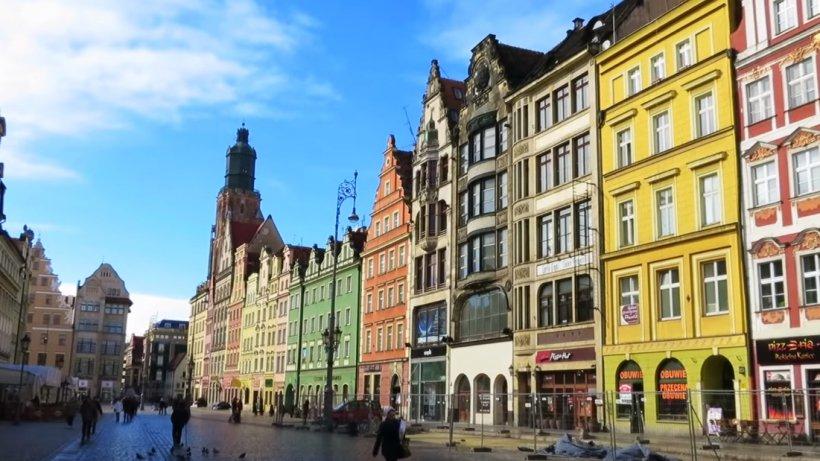 Cum arată oraşul care a fost ales cea mai bună destinaţie turistică din Europa - VIDEO
