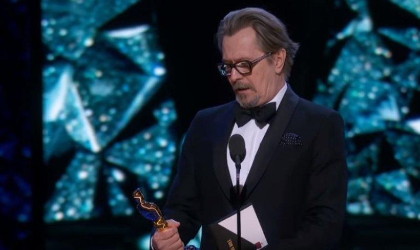 """Premiile Oscar 2018. Gary Oldman, din filmul """"Darkest Hour"""", a luat premiul pentru cel mai bun rol principal masculin (VIDEO)"""