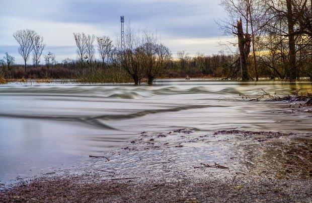 Cod portocaliu de inundații. Noi avertizări emise de hidrologi