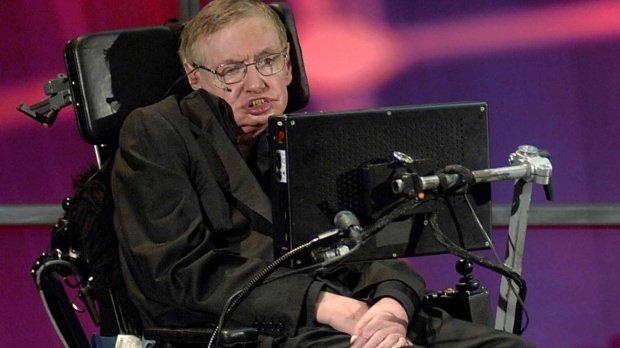 Ce este scleroza laterală amiotrofică, boala de care suferea Stephen Hawking