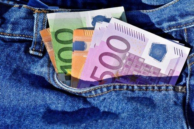 """Un politician european avertizează: Moneda euro este o """"eroare"""""""